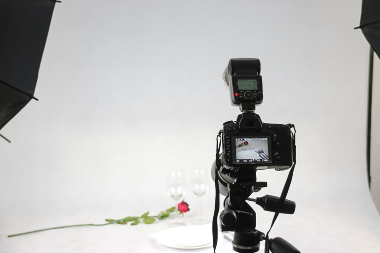 DIY Photography of Glasses and Rose with DSLR